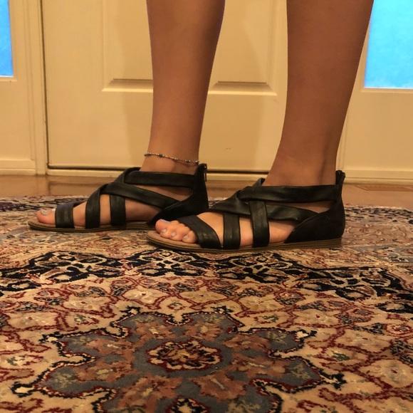 9adeb84c5c5 Black strappy sandals. M 5b403bbb951996773dcdc421